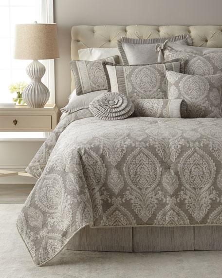 Novette Queen Comforter