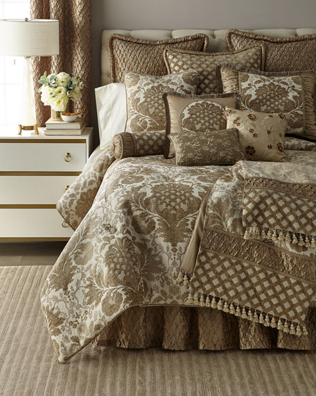 Austin Horn Collection Everleigh 3-Piece King Comforter Set