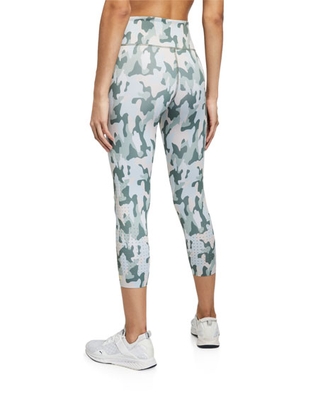 Image 2 of 3: Aurum Freedom Camo Active Crop Leggings