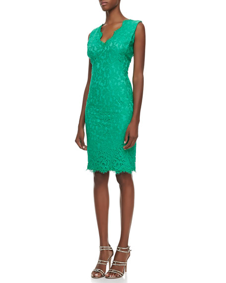 Sleeveless V-Neck Lace Cocktail Dress