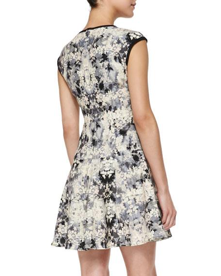 Love Crime Solid-Trim Floral Dress