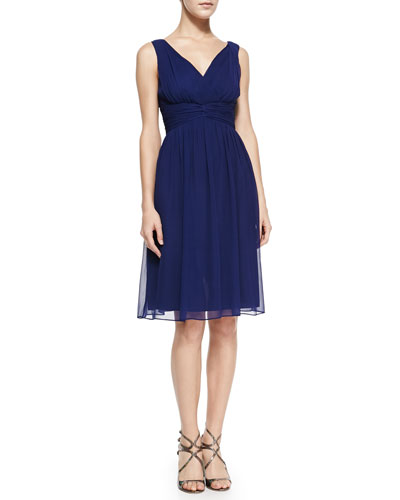 Donna Morgan Jessie Sleeveless Cocktail Dress