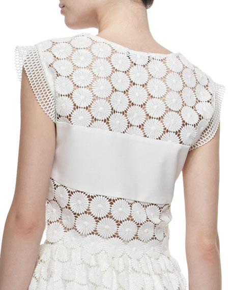 Stellan Crocheted Floral Crop Top
