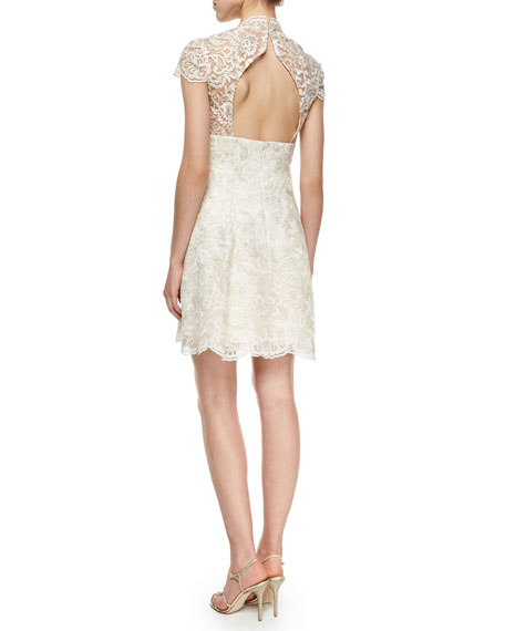 CAPSLV SWTHRT NK LACE FLARE
