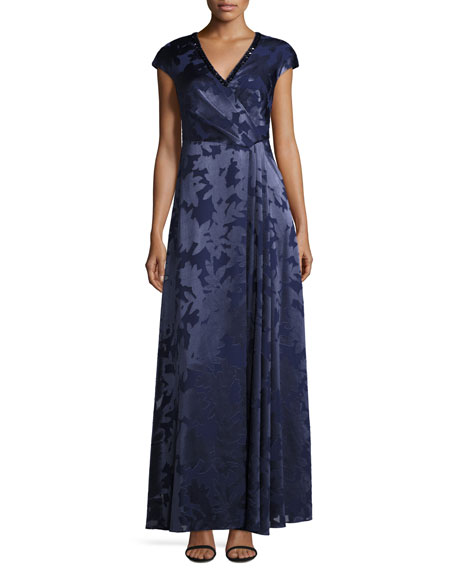 Kay Unger New York Leaf Printed Coupe Gown