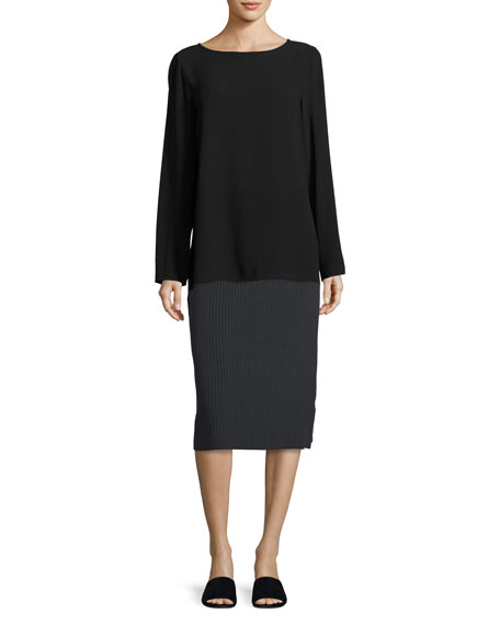 Sleek Ribbed Pencil Skirt