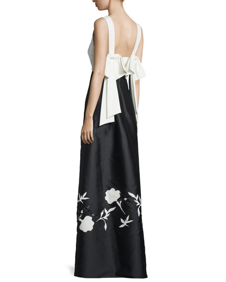V-Neck Colorblock Gown W/Floral Appliqué, Jet