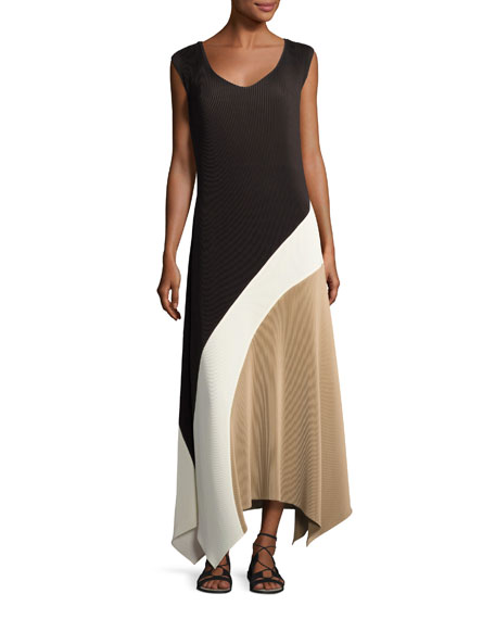 Image 3 of 3: Celia Sleeveless Amorous Pleated Maxi Dress