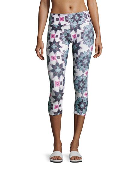 Onzie Graphic Capri Athletic Leggings, Multipattern