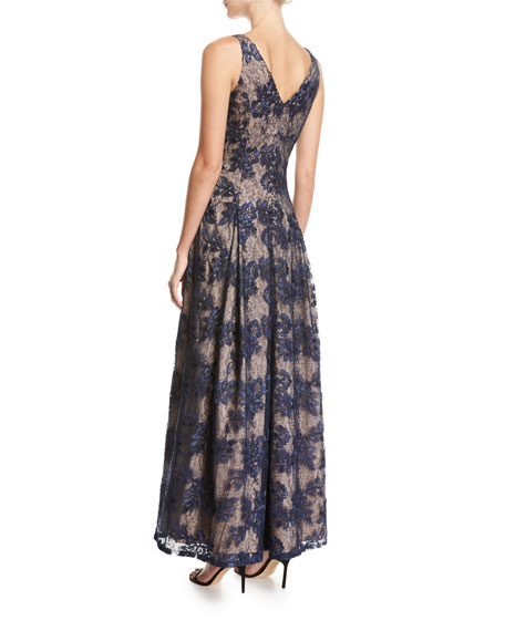 Sleeveless V-Neck Pleated Lace Evening Gown