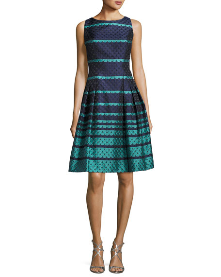 Carmen Marc Valvo Sleeveless Scalloped Jacquard Fit &