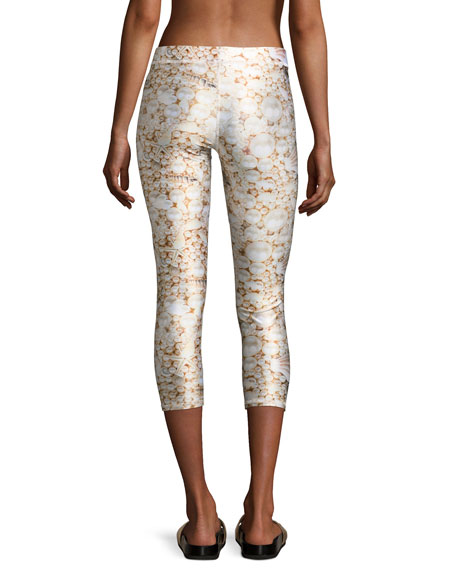 Pearl of the Ocean Performance Capri Leggings