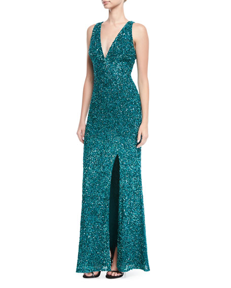 EXCL SLEEVELESS V NECK GOWN
