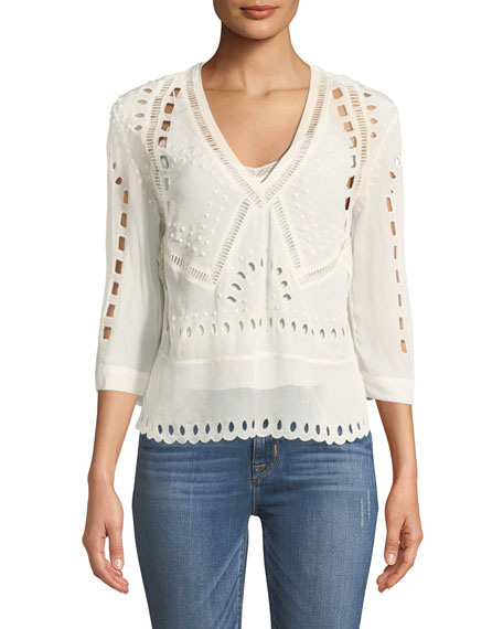 Polita V-Neck 3/4-Sleeves Eyelet Top