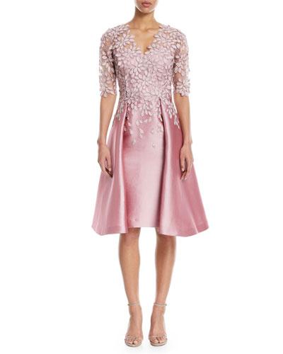 Scalloped V-Neck Lace Gazaar Cocktail Dress