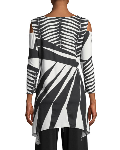 Gone Wild Graphic Tunic, Petite