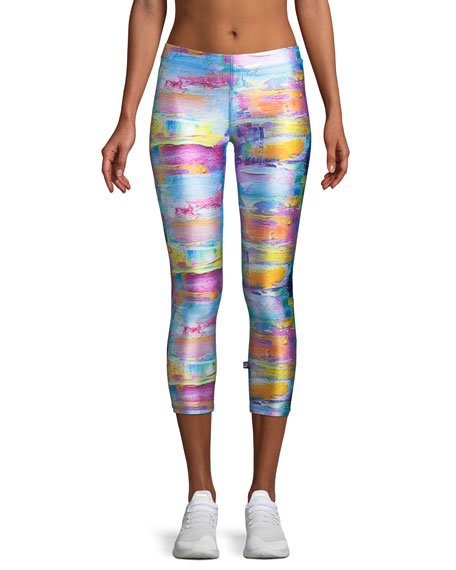 Terez Abstract Art Printed Capri Performance Leggings