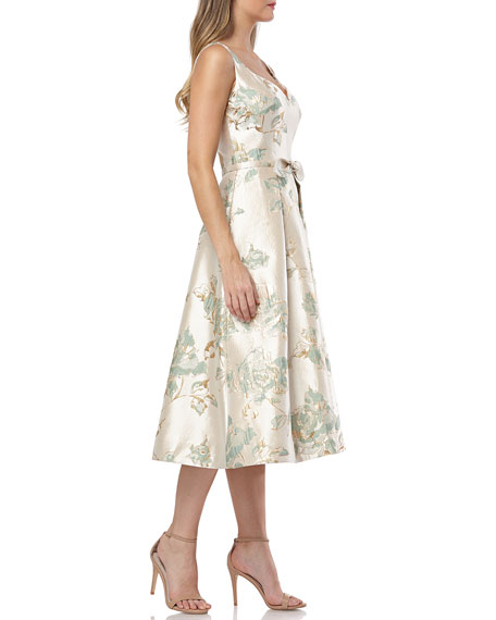 Carmen Marc Valvo Infusion Floral Brocade Sweetheart Sleeveless Tea-Length Dress