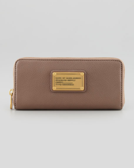 Classic Q Slim Continental Wallet, Brown