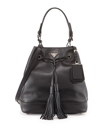 City Calf Bucket Bag, Black (Nero)