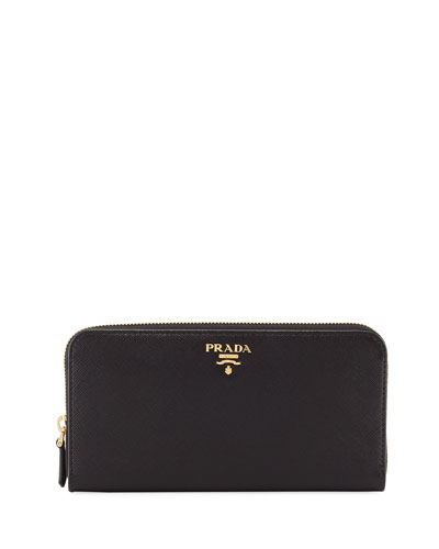 black purse prada