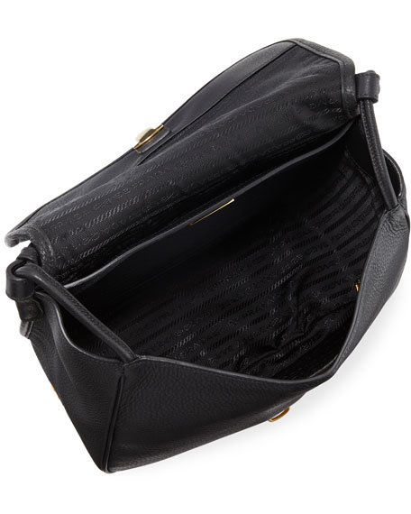 Daino Medium Leather Shoulder Bag