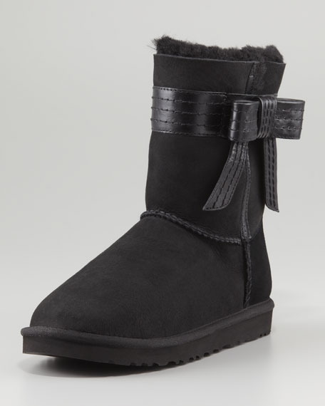 black and brown uggs