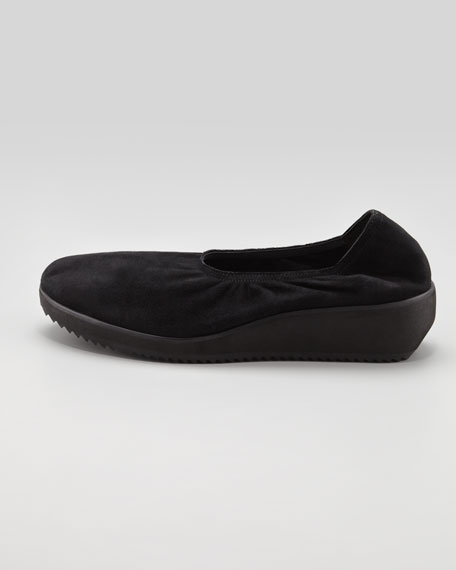 Mellow Suede Wedge, Black