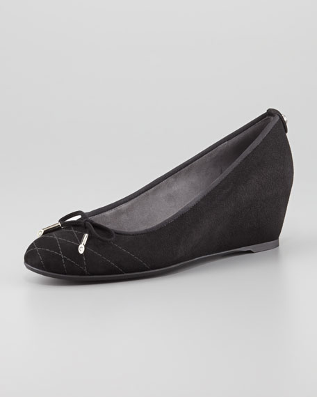 Quilty Stitched-Toe Bow Wedge Pump, Black