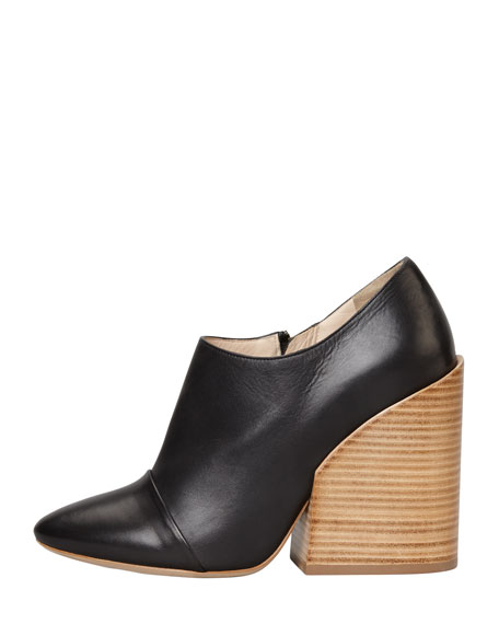 Wide-Heeled Pointy Bootie, Black