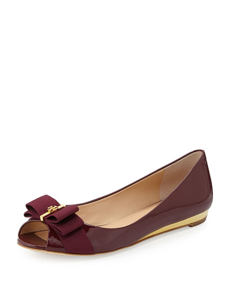 Trudy Patent Logo-Bow Flat, Cabernet