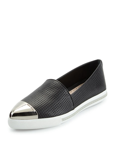 Image 1 of 3: Embossed Leather Cap-Toe Loafer, Nero