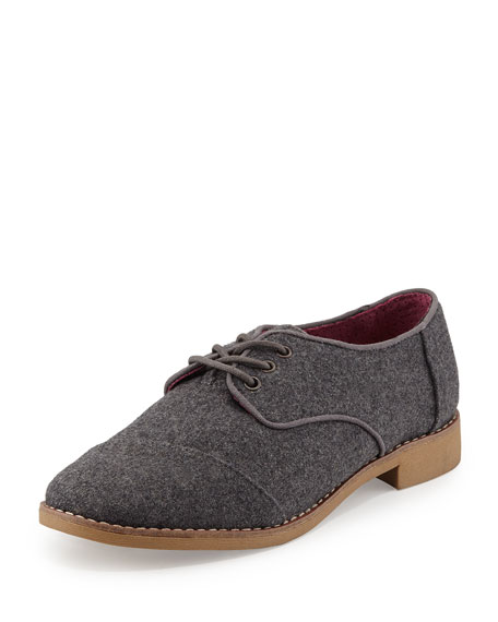Classic Lace-Up Brogue, Gray