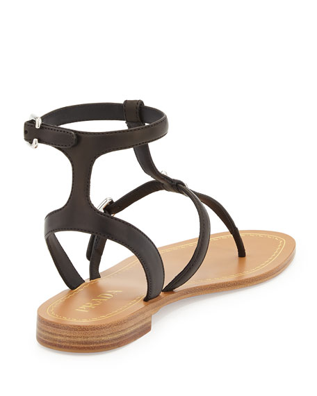 Leather Buckle Thong Sandal, Nero