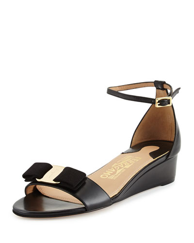 Margot Bow Wedge Sandal, Nero