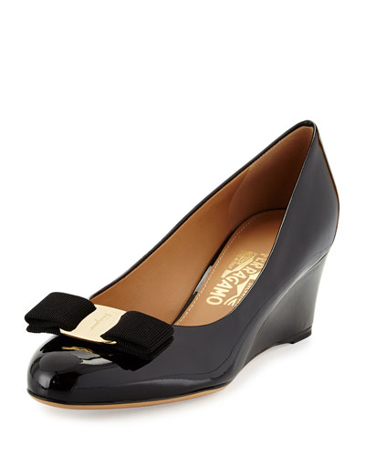 Mirabel Patent Bow Wedge Pump, Nero