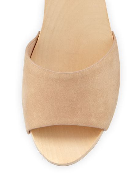 Saber Nubuck Clog Sandal, Powder