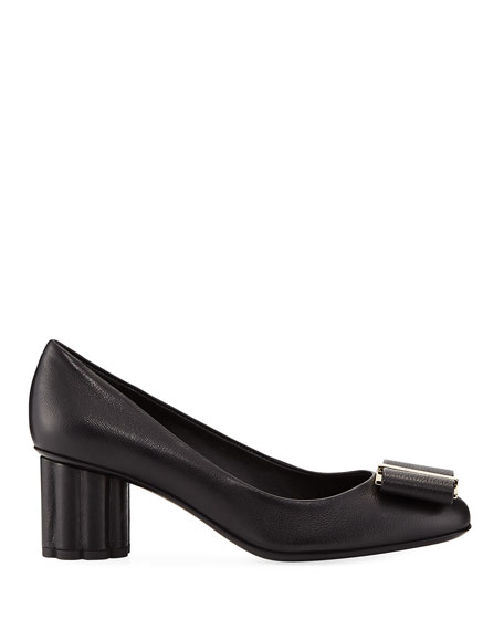 Pebbled Leather Pump with Vara Bow, Nero