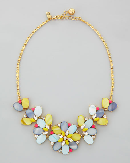 bungalow bouquet short necklace