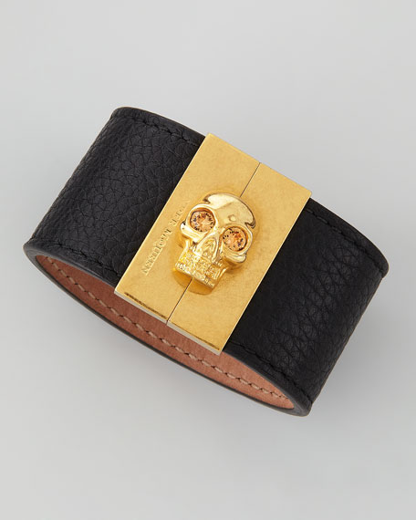 Skull-Clasp Leather Cuff, Black