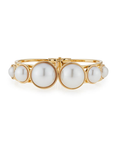 Graduated Pearly Hinge Bracelet