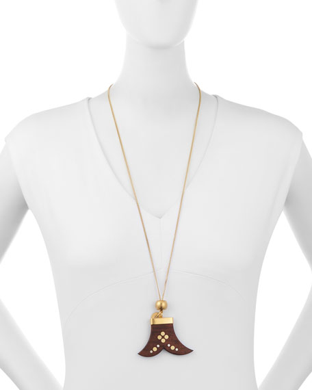 CHLOÉ JANIS WOODEN PENDANT NECKLACE, DARK WOOD