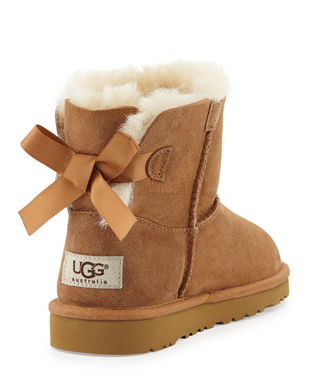 bailey bow uggs short