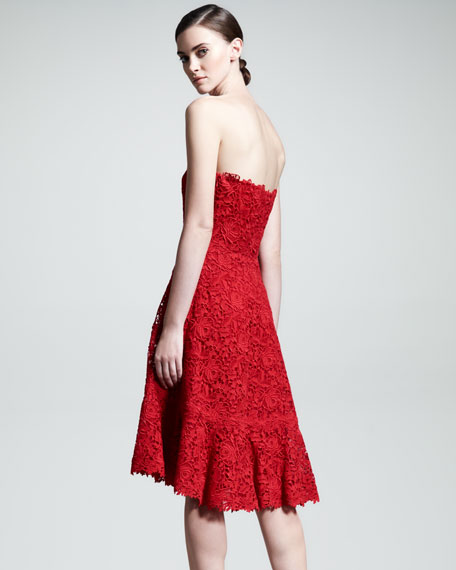 Voulant Lace Strapless Dress