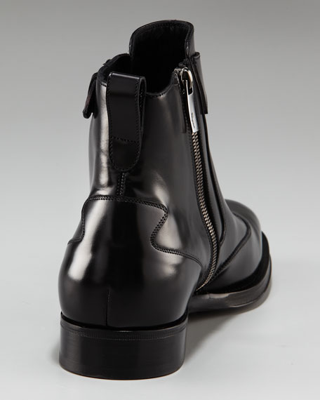 Cyrano Wing-Tip Boot