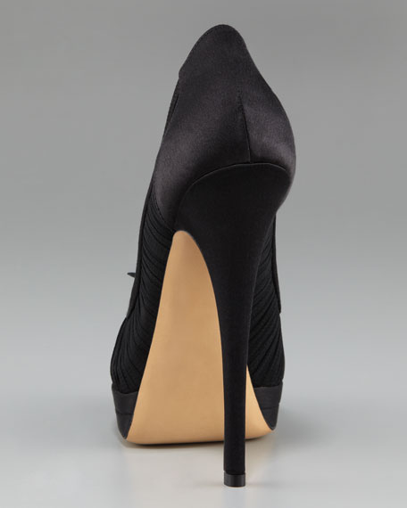 Ruched Platform Pump