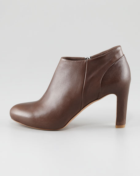 Titus Ankle Bootie, Chocolate