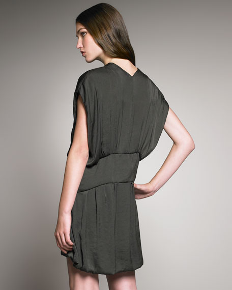 Kangaroo-Pocket Dress