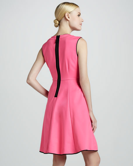 carol sleeveless flare dress