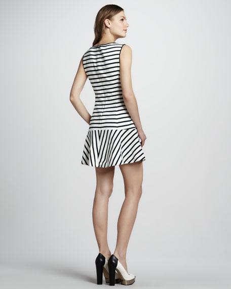 Nyos Sleeveless Dress